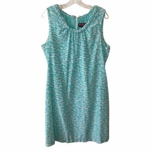 Vineyard Vines Blue and White Watercolor Dress 14